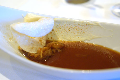 FRENCH ONION soup / GRUYERE & onions